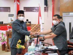 Bupati Tanjab Barat Drs H Anwar Sadat M. Ag, Hadiri Rapat Penyampaian Nota Keuangan