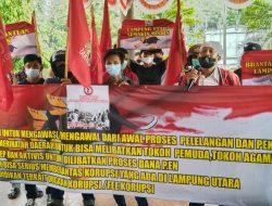 Kantor Pemerintah Kabupaten Lampung Utara Di Geruduk Pospera